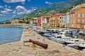 Karlobag Horvátország Kvarner régiójában található a Pag szigettel szemben a szárazföldön.