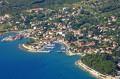 Nerezine Horvátországban a Losinj sziget északi végén fekszik (P: marinas.com)
