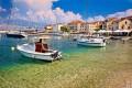 Postira Horvátország apró, vendégszerető halászfalva a Brac sziget északi oldalán