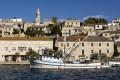Egy apró halászfalu Povlja Horvátország kellős közepén a Brac sziget északi partján