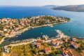 Seget Vranjica Horvátországban Trogir és Marina között fekszik. Ez egy picike település, ahol nyugodt körülmények között tudunk nyaralni.