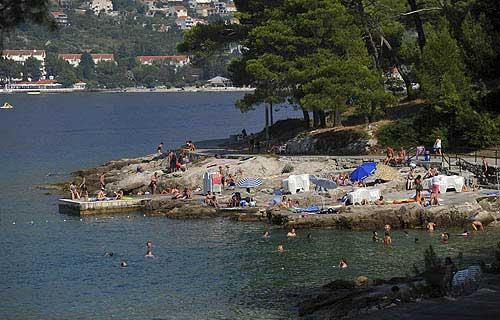 Az egyik szabad strand Cavtat peremén