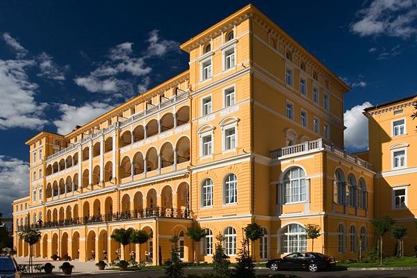 Elegáns, 4 csillagos hotel Crikvenicán a Kvarner Palace