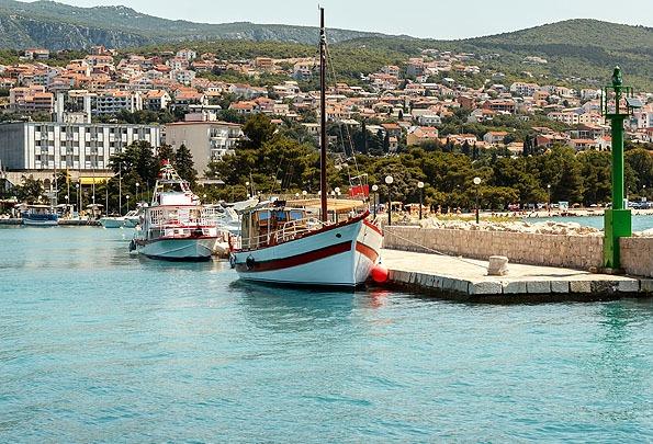 Minden Crikvenica nyaralás fontos állomása a híd és a Hotel Kastel. Innen indul a város története.