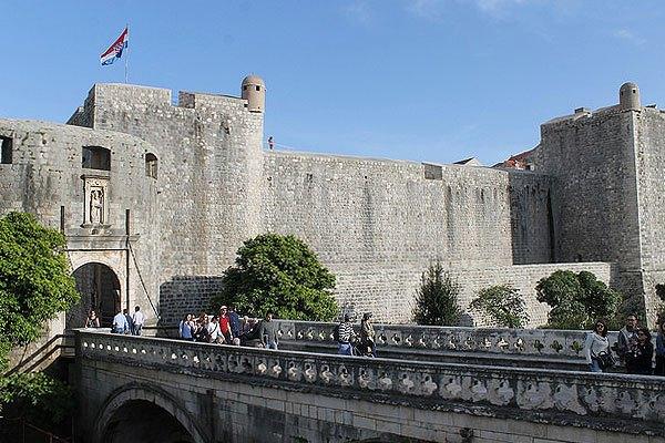 Igazi középkori látnivaló a Pile kapu