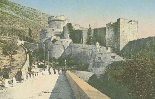 Dubrovnik várfala egyoron