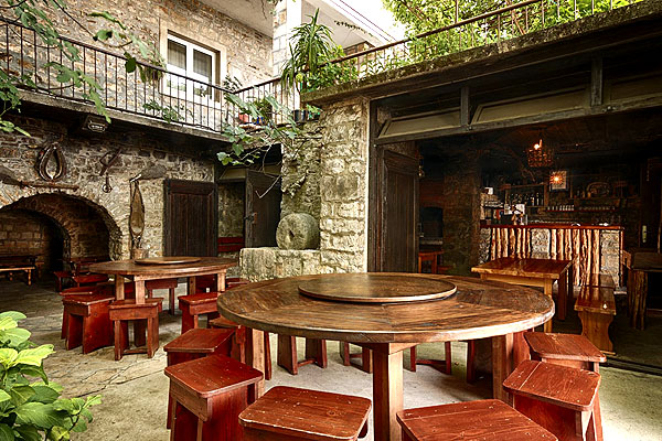 A Tomić konoba gyakorlatilag ugyanúgy néz ki, mint a középkorban Horvátországban a Brac szigeten