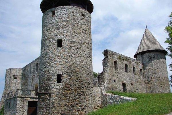 Kicsit romos már, de romantikus helyszín a Novigradi kastély