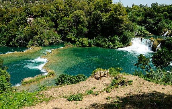 A Krka Nemzeti Park felső vízesése sokkal lankásabb
