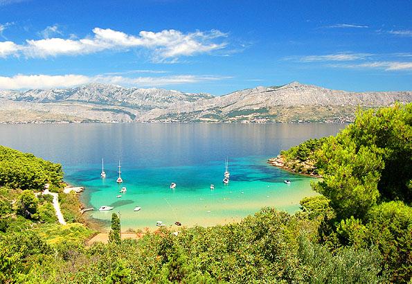Az egyik legszebb strand a Brac szigeten a Lovrecina