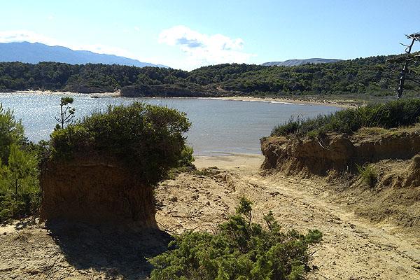 Egy ilyen homokos lagúna a jutalma annak, aki egy kis kirándulásra hajlandó :)
