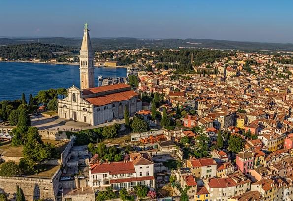 A festői szépségű Rovinj is csupán 40 kilométerre fekszik