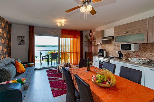 Silo szállás – Soline bay apartman