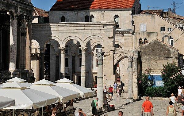 Split központi épülete a Diocletianus palota