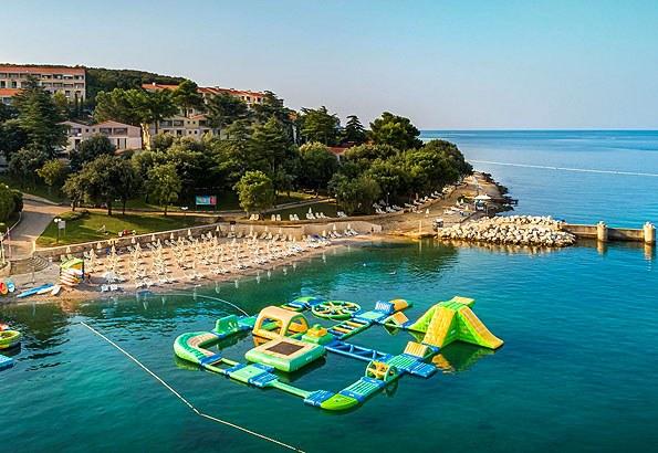 Mediterrán ebéd az egyik Vrsar strandon