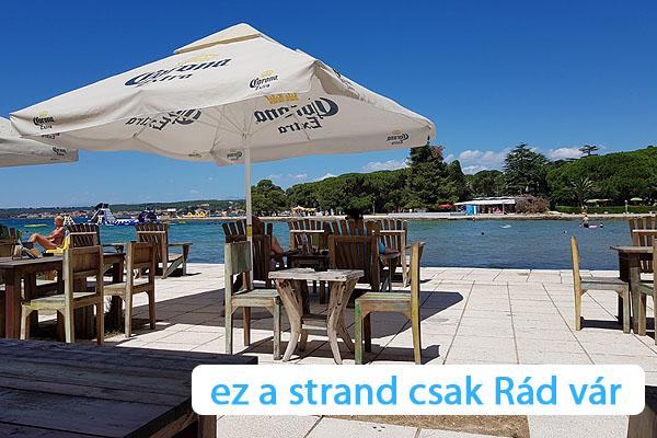 Kellemes ebéd Zadarban a Borik strandon
