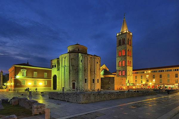 Ahogy a fotón is jól látszódik Zadar Horvátország egyik legszebb városa