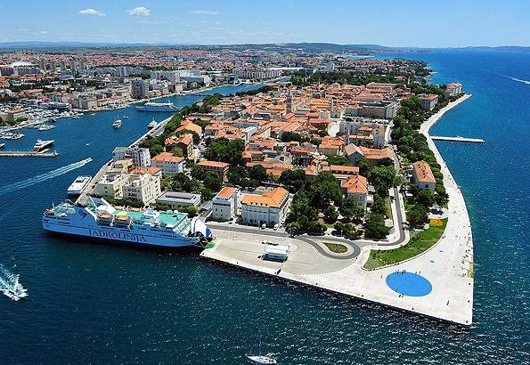 Bármilyen nehéz is elhinni, de Zadar is elérhető távolságra van a Plitvicei tavaktól