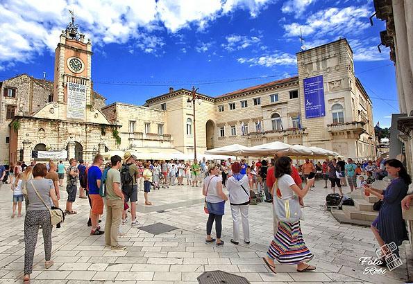 A Népek Tere Zadar óvárosában