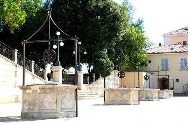 Zadar, öt kút tere
